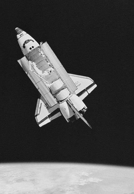 新材料能让航天飞机实现自我修复