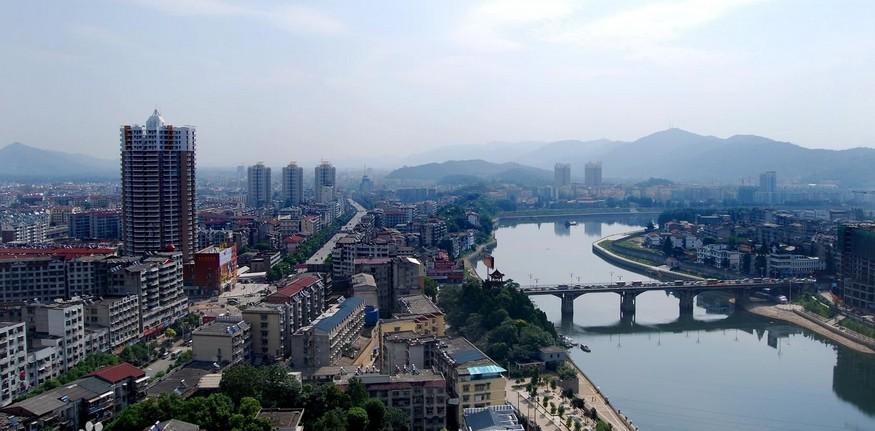 >> 正文        近日,湖北省赤壁市环保局联合赤壁市法院对赤马港街道