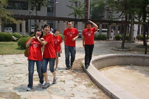 2009年毕业生:林旺(博士后)、丁