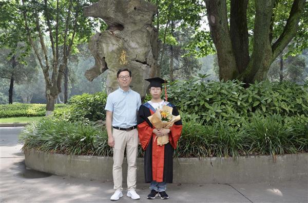 祝贺2021届毕业生!-2021届毕业照